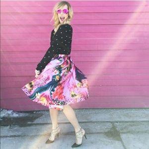 🆕 Bold Leopard Garden Midi Skirt